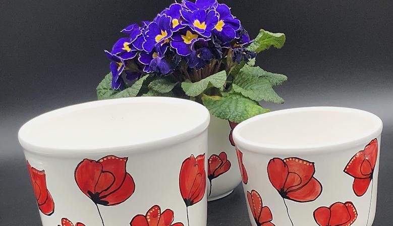 Porta vaso in ceramica decorato a mano